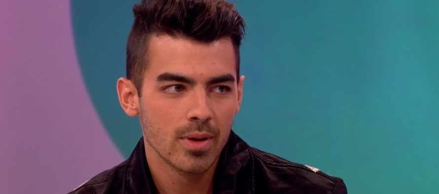 Joe Jonas: Wir mögen es, wenn unsere Partner kommen und uns besuchen, aber wir wollen auch unser eigenes Ding machen und unsere eigene Leidenschaft finden